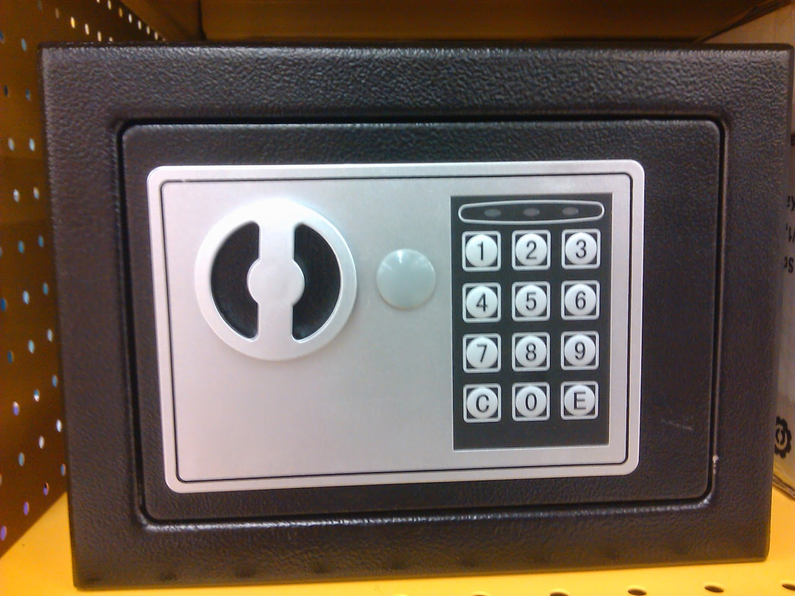 Electronic security safe